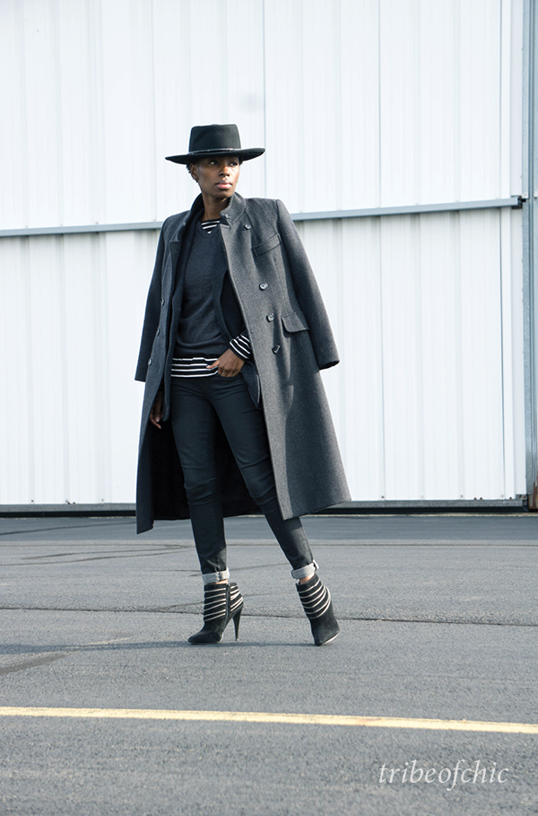 black skinny jeans with grey coat and ankle boots